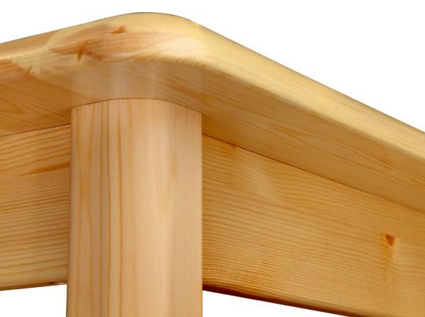 Обеденные столы из карельской сосны