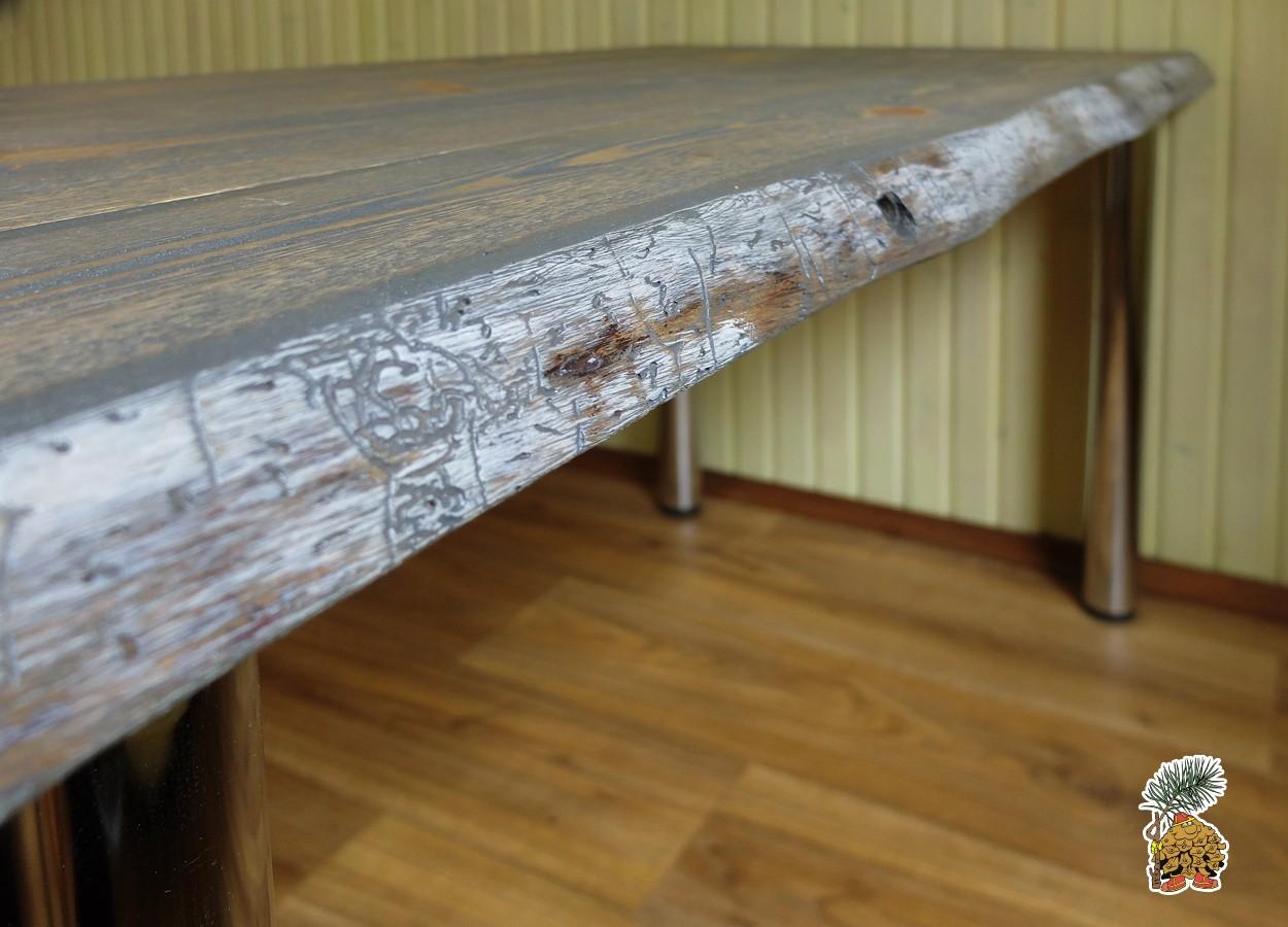 Так выглядит кромка деревянного стола в стиле лофт из карельского сухарника