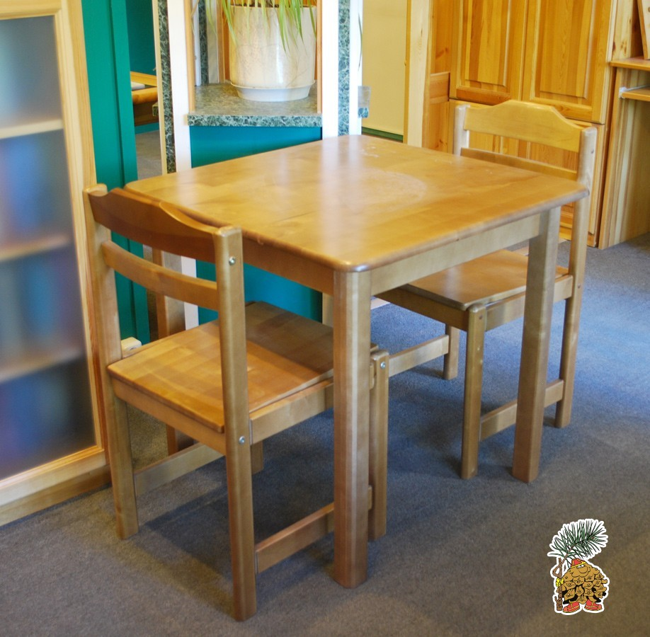 Распродажа, стол из массива березы и два стула со скидкой 50% в Москве