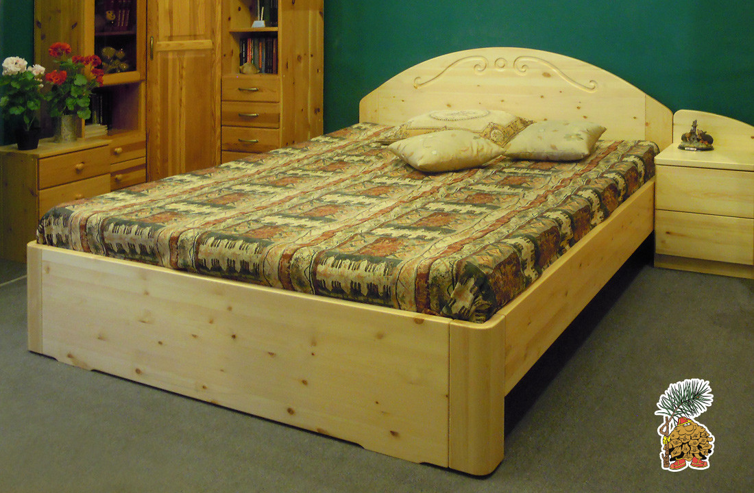 Двухспальная кровать из сосны с высоким изголовьем на сайте tmt.ru