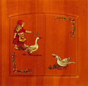 Роспись фасадов мебели акриловыми красками с яркими натюрмортами или сценками из русской жизни